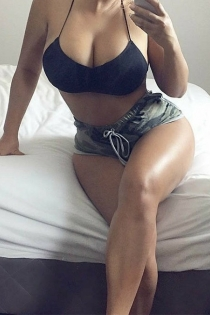 Selina, Age 34, Escort in Limassol / Cyprus