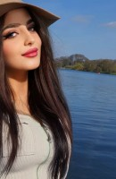 Lora, Age 22, Escort in Istanbul / Turkey